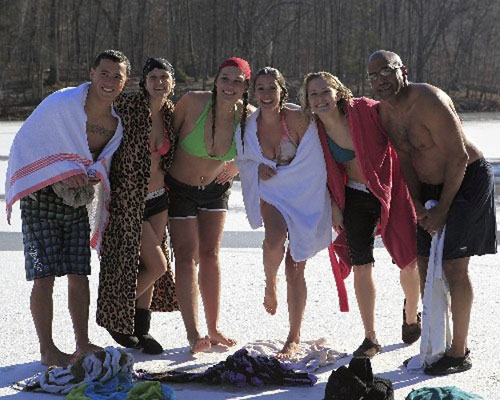Rich, Amanda, Kristin, Jaymie, Nikki, & Jose posing on the ice after thier plunge.